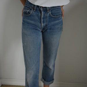 Vintage Distressed Levi Mom Jeans